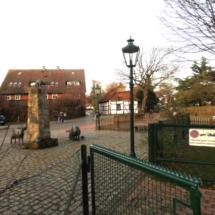 Dorfplatz vor dem Bürgerhaus